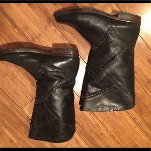 Vintage women's black leather boots